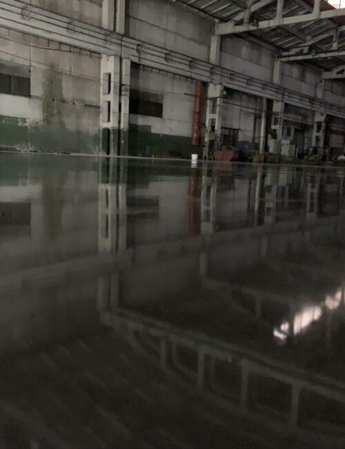 Готовый бетонный пол с топпингом