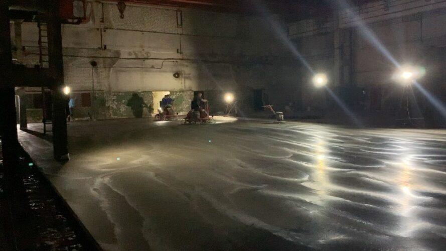 Затирка бетонного пола лопастями