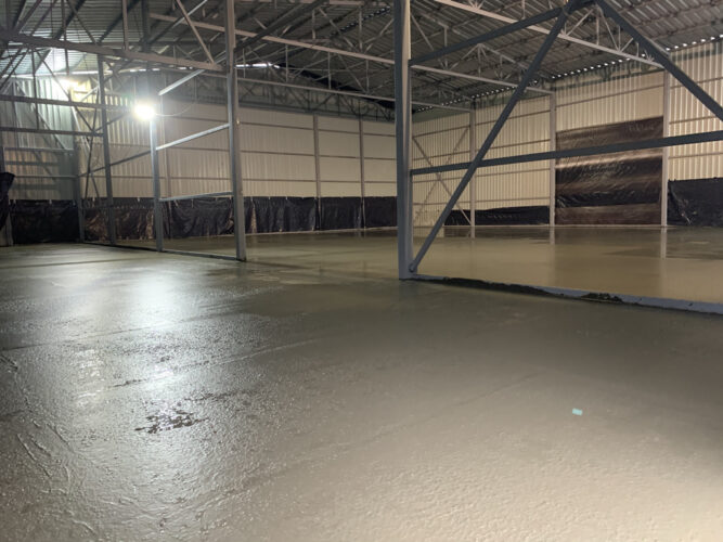 Залитая стяжка бетонного пола