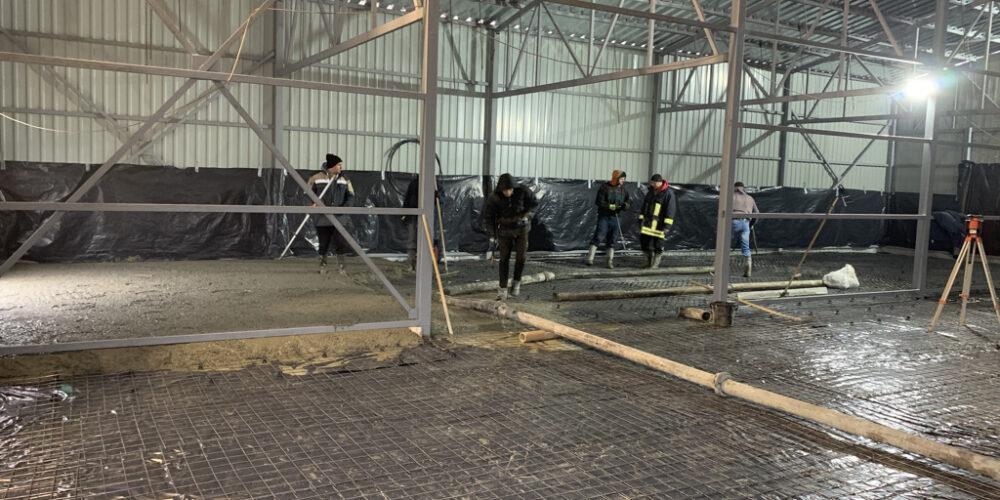 Заливка бетонного пола на складе
