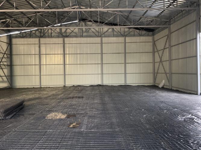 Армирование сеткой перед бетонированием 3